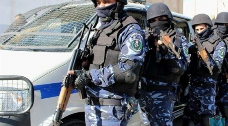 الشرطة تضبط أكثر من 7 كغم مواد يشتبه أنها مخدرة في الخليل