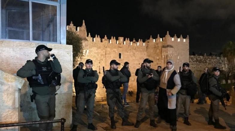 """الاحتلال يدفع بتعزيزات بالضفة والقدس عشية""""مسيرة الأعلام"""" الاستفزازية"""